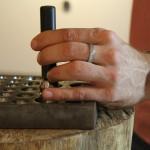 Kugelfänge und kugelrunden bei trauringherstellung