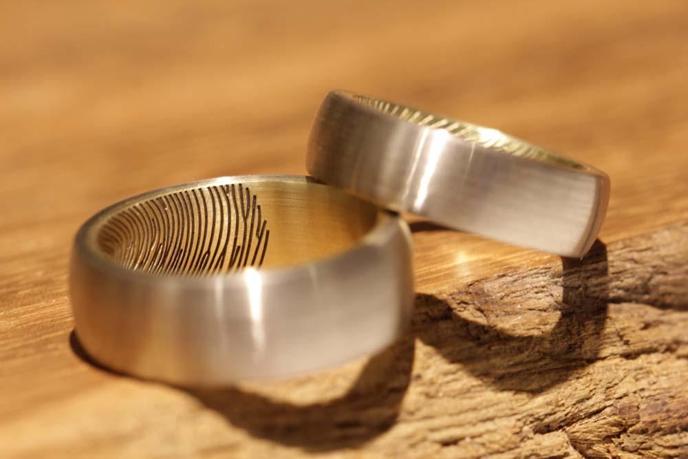 fingerprint-gravur-trauringe-gold (2)