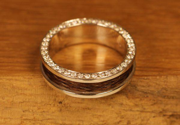 akhal-theke-ring-weissgold (1)