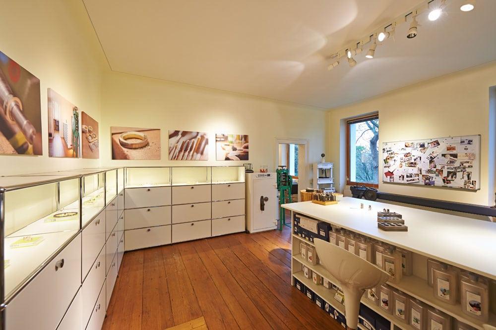 Werkstattraum Goldschmiede mit USM haller Möbeln
