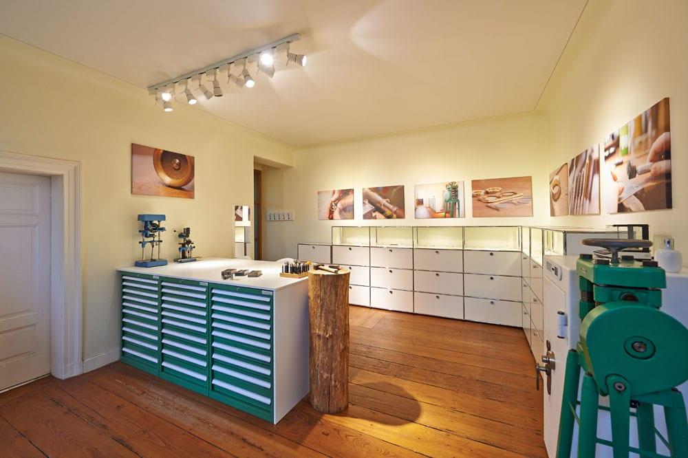 Grande laboratorio orafo da giardino di gioielli