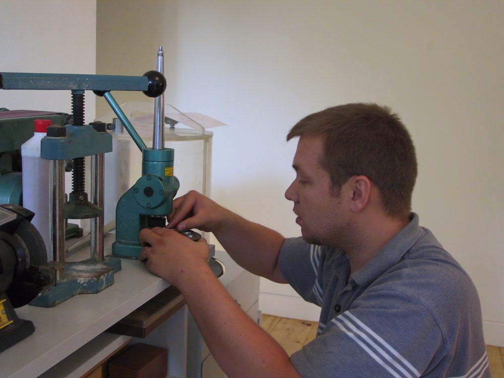 Ringdurchmesser mit Trauringmaschine anpassen