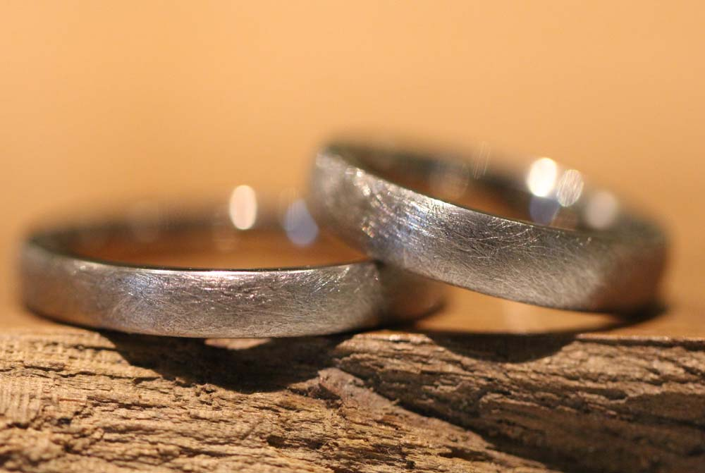 Picture 36a: handmade vintage wedding rings made of gray gold.