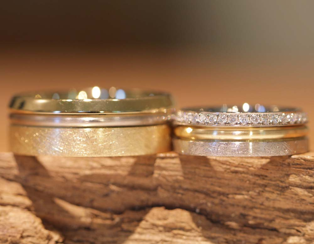 Image 049d: multicolored trendy wedding rings, wide and yet filigree, custom-made.