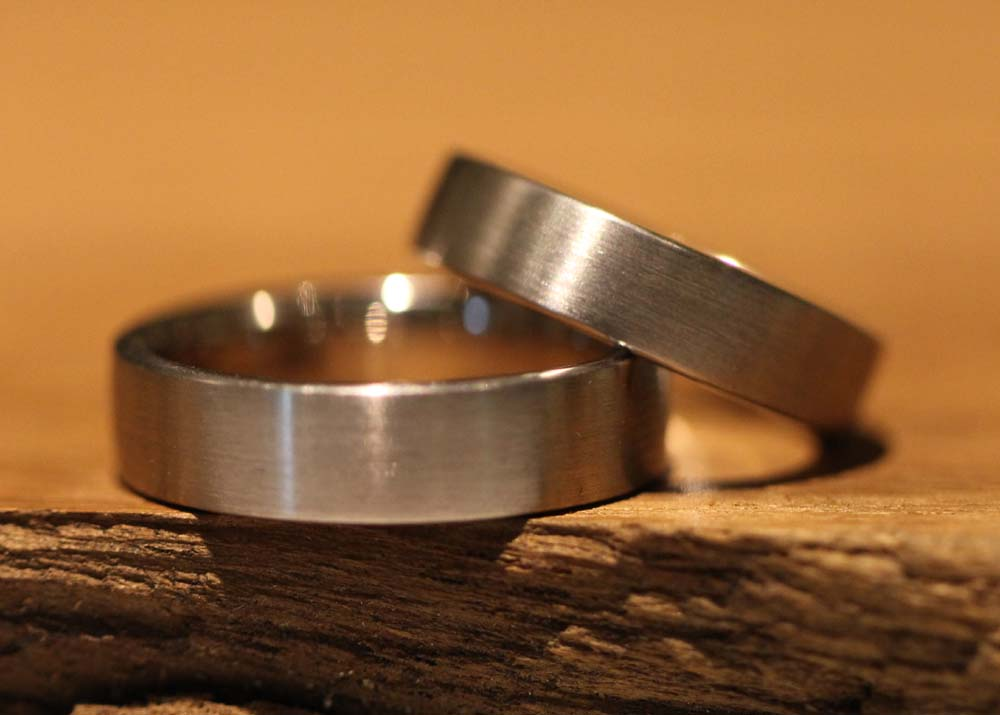 Image 053: hand-forged wedding rings, simple and classic.