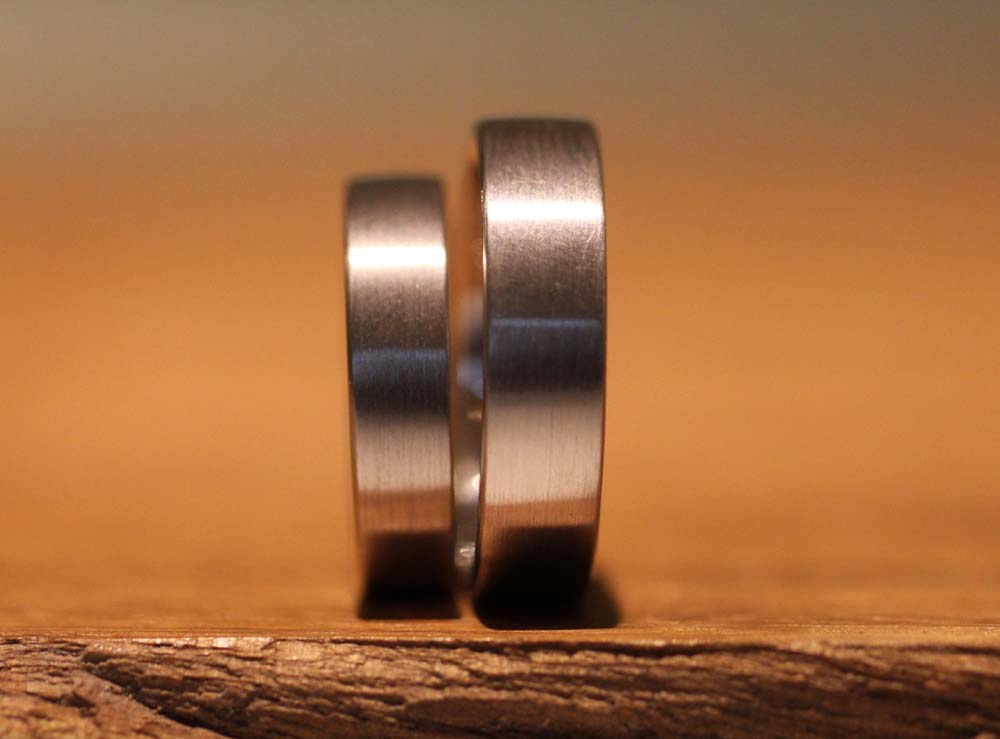 Image 53a: classic wedding rings without stone, matt.