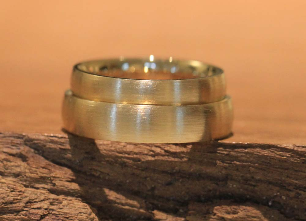 Image 057: Yellow gold wedding rings, matt, made by the goldsmith.