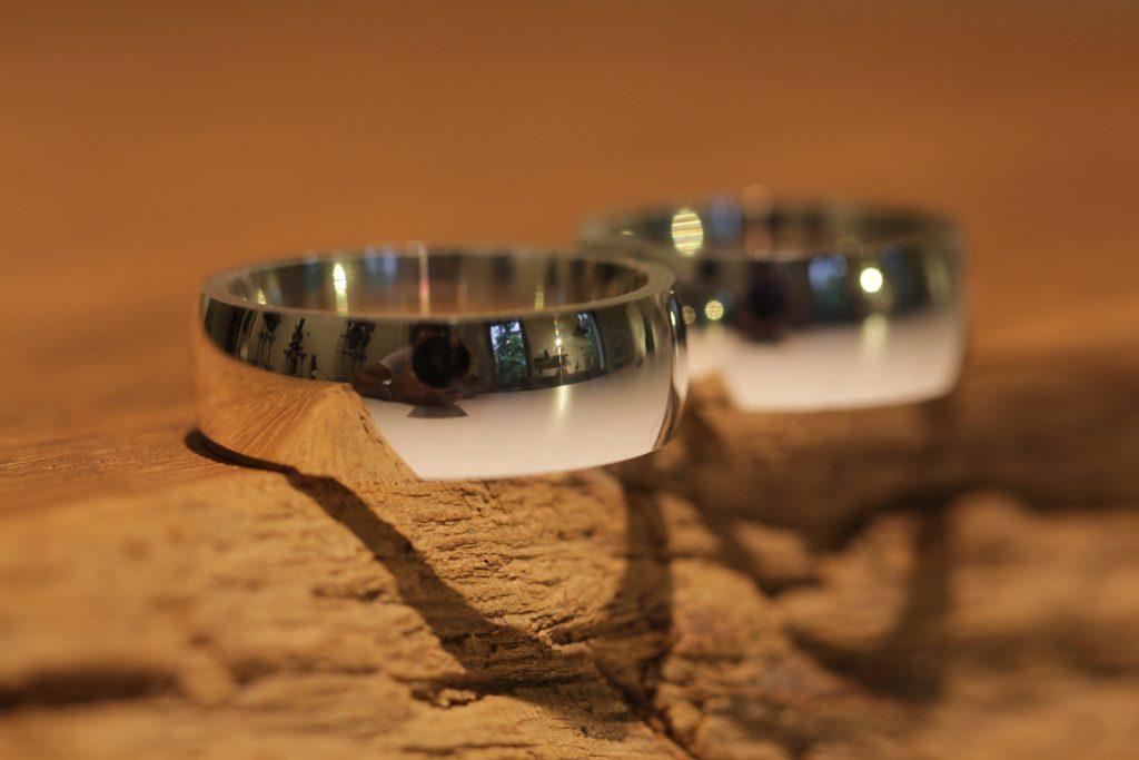 105b wedding rings