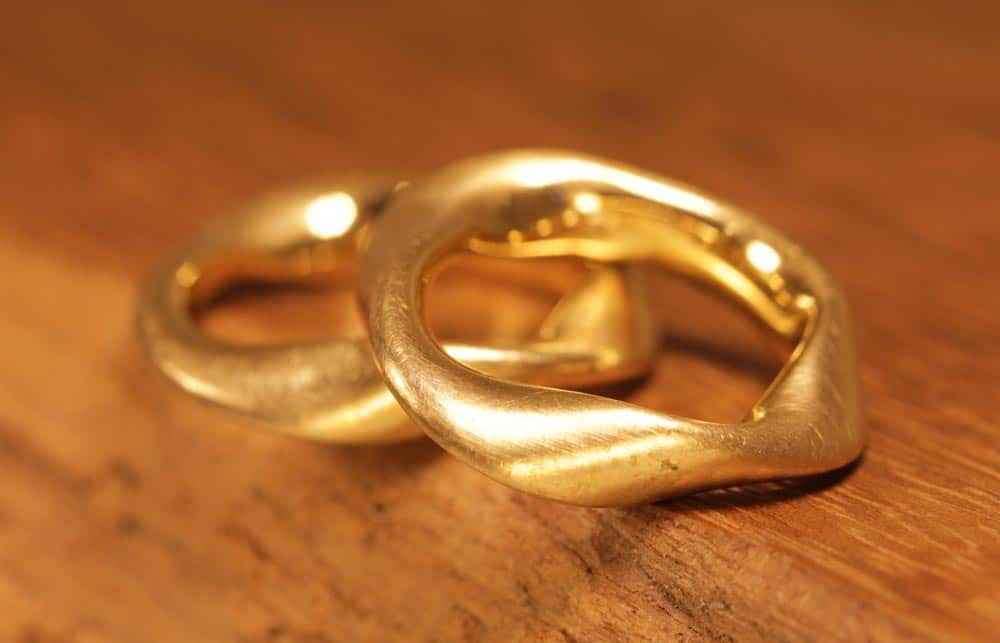 Image 167: Möbius rings, unusual wedding rings made of yellow gold, Möbius band.