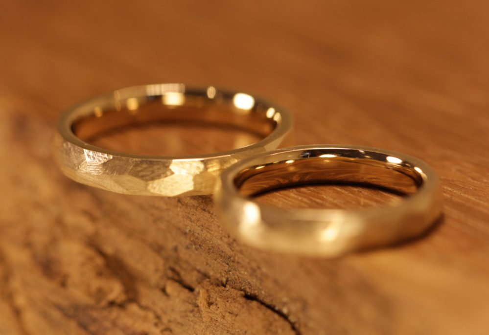 Image 181d: Wedding rings, filed surface polished outside and inside.