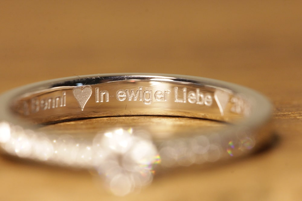 engraved engagement ring (1)