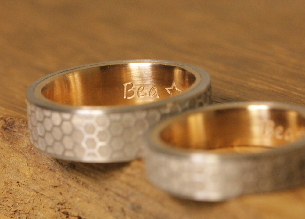 wedding-rings-pt-red-gold-laser-engraving-outside (6)
