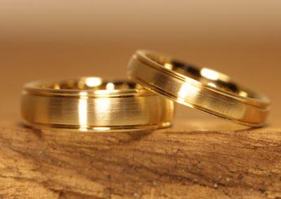 Wedding rings profile (1)
