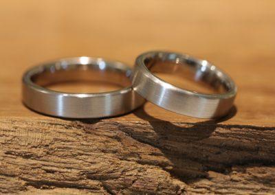 004a wedding rings