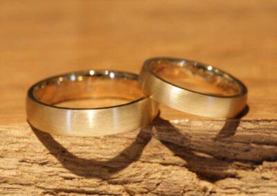 005b wedding rings