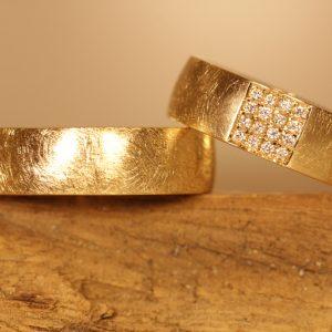 Fedi nuziali in oro giallo 750