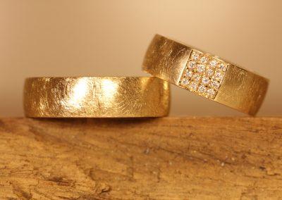 Wedding rings 750 yellow gold