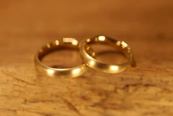 Alianzas de boda ovalada de oro amarillo 750 (3)