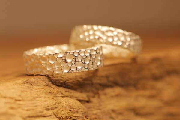 Anillos de boda excepcionales hechos de burbujas superficiales de plata 925