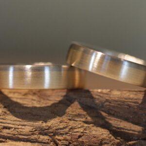 Zweifarbige Eheringe aus 585er Rosegold und Graugold